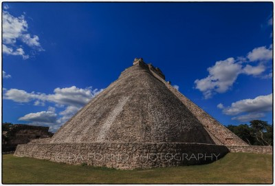 Mexico - Uxmal - Pyramid of the Magician - Canon EOS 5D III / EF 16-35mm f/2,8 L II USM