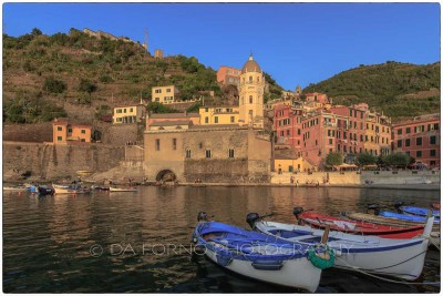 Italy - Cinque Terre - View on Vernazza church - Canon EOS 5DIII - EF 16-35mm  f/2,8 L II USM