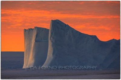 Antarctica - Iceberg in the sunset - Canon EOS 5D III / EF 70-200mm f/2.8 L IS II USM +2.0x III