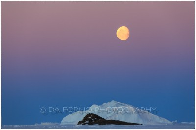 Antarctica - Sunset with Moon - Canon EOS 5D III / EF 70-200mm f/2.8 L IS II USM +2.0x III